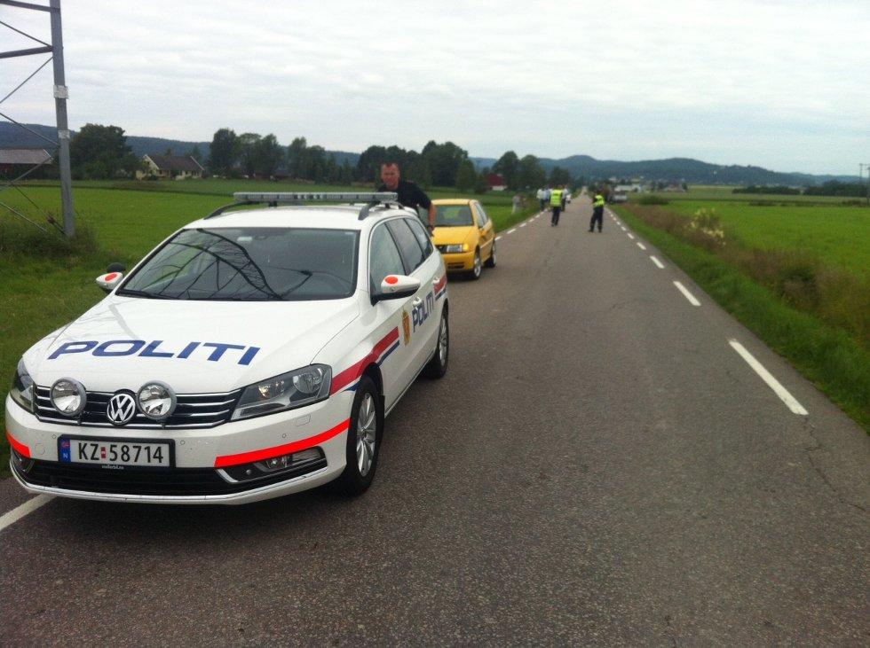 Torsdag morgen ble en syklist truffet av en motgående bil da han skulle passere en traktor på Ramnesveien.