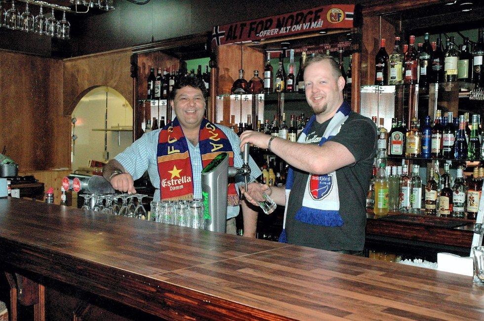 Eier Javed Iqbal (til venstre) og daglig leder Odd Martin Hagen mener den nye baren vil dekke et behov i Sandefjord. Foto: Jan Eric Møller