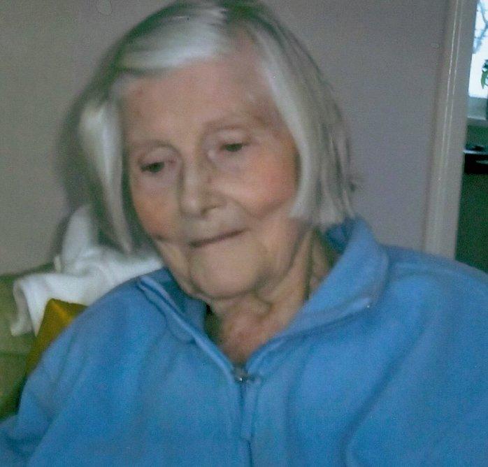 DØDE: Else Marian Johnsen (84) som ble funnet i live på Hosle mandag døde tirsdag som følge av påkjenningene.