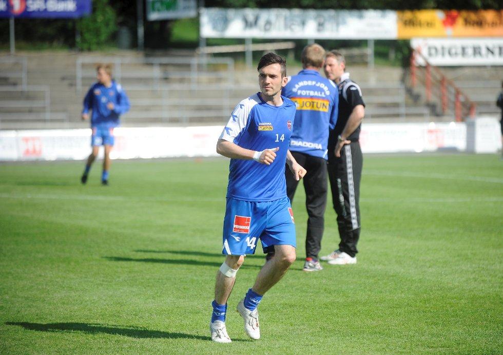 Cato Hansen, Sandefjord Fotball (SF) varmer opp før Bryne-kampen