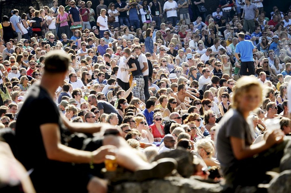 For mange er Slottsfjellfestivalen selve symbolet på sommerhygge i Tønsberg. Nå forsvinner snart de aller siste billettene til nettopp denne sommerhyggen.