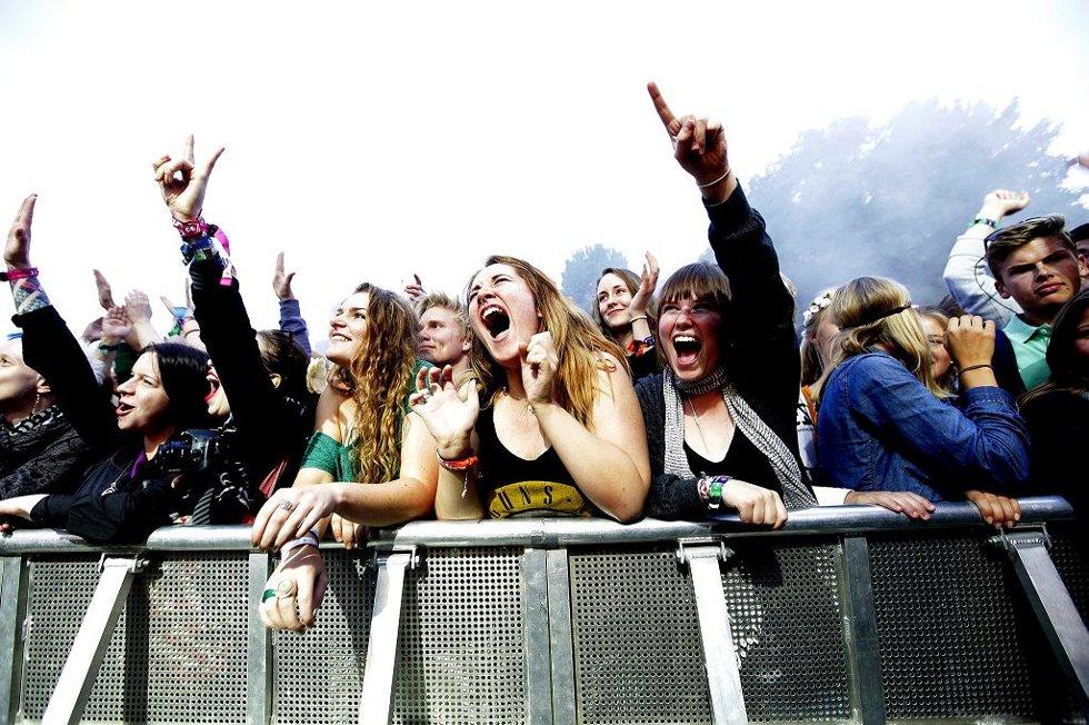 PUBLIKUM ELSKET FESTIVALEN: Slottsfjellfestivalen 2012 har ikke mottatt en eneste klage, og publikum har bare kommet med positive tilbakemeldinger. Foto: Peder Gjersøe