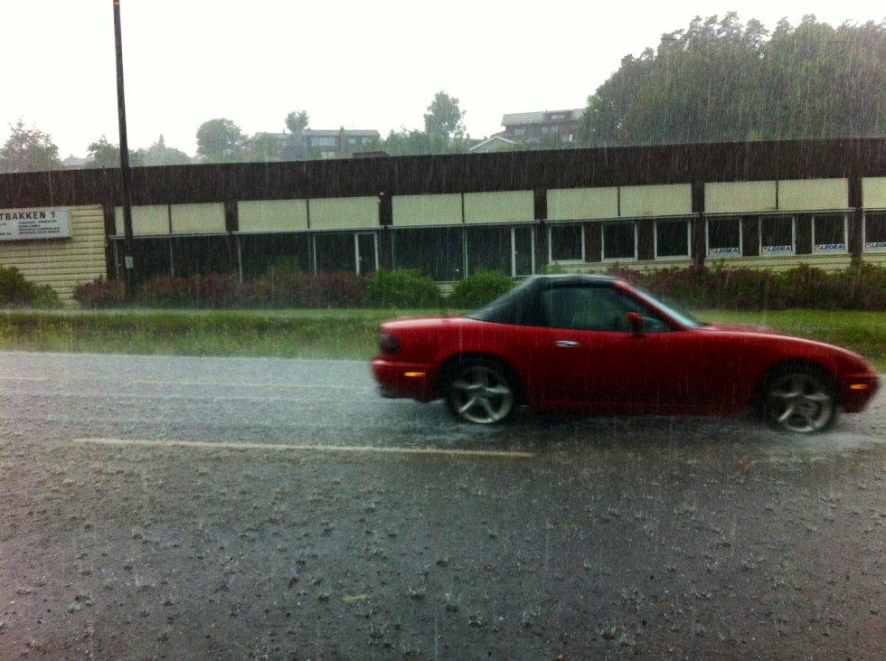 Denne dagen midt i juli kom det ikke bare regn, men også hagl over Tønsberg.