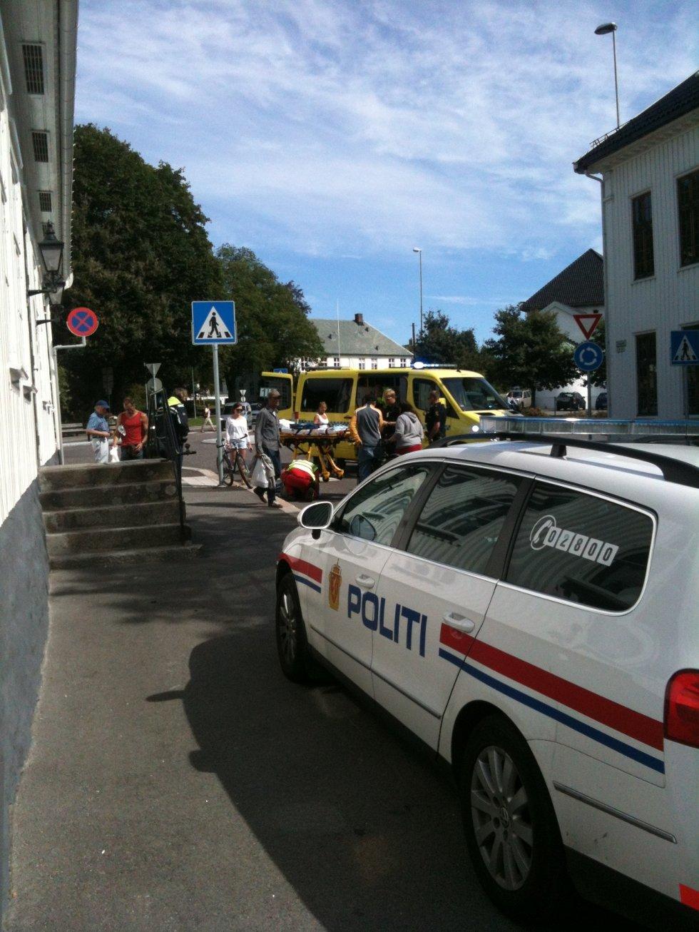 En syklist falt fra sykkelen ved Hvidts Plass i Sandefjord sentrum onsdag.