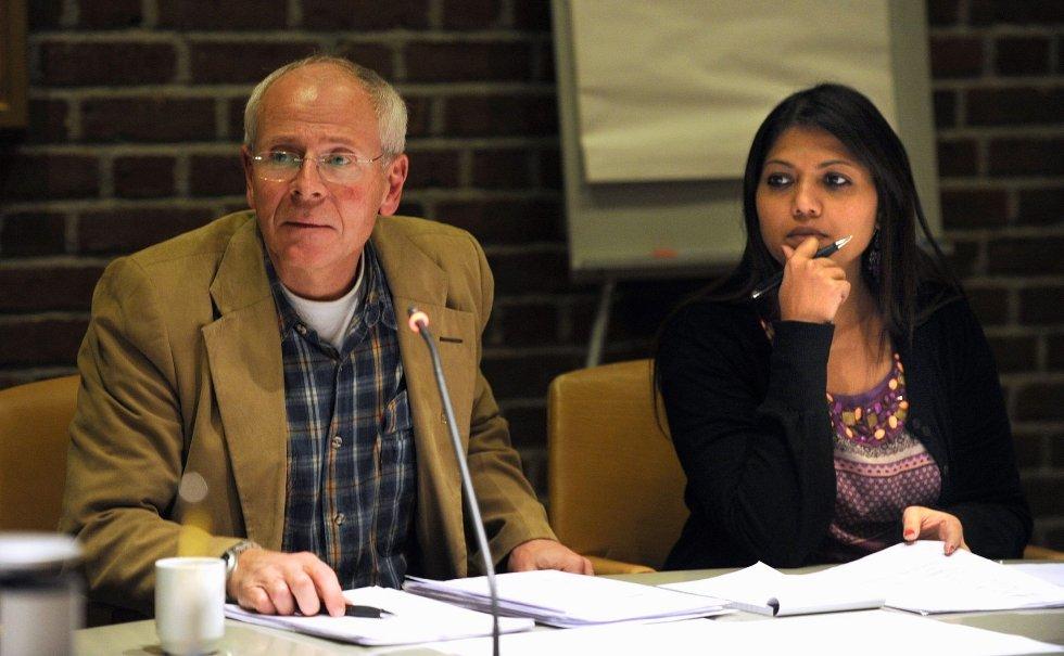 Morten Istre vil ha med Alf-Reidar Fjeld på møtet.