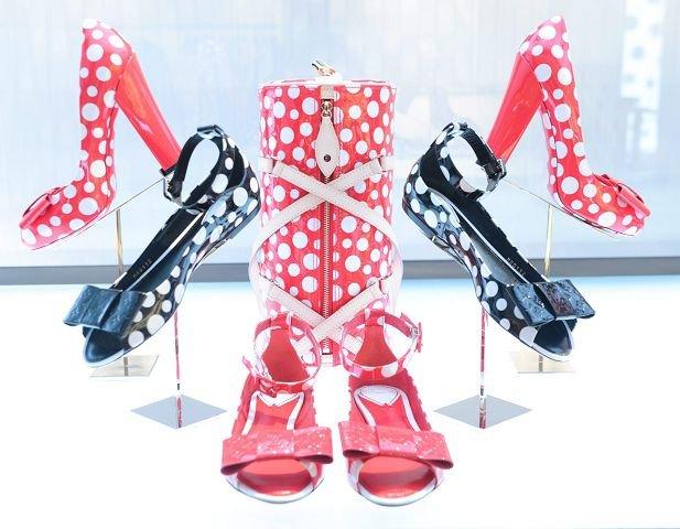 Fra Louis Vuitton kommer nå disse skoene med bombemønster.