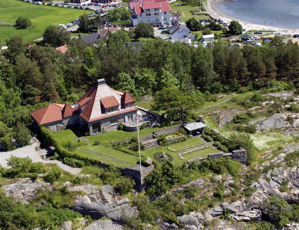 Larkollveien 765 (også kjent som Festningen), er nylig solgt for 17.68 millioner kroner. For 12 år siden var prisen rekordhøye 23,3 millioner kroner.