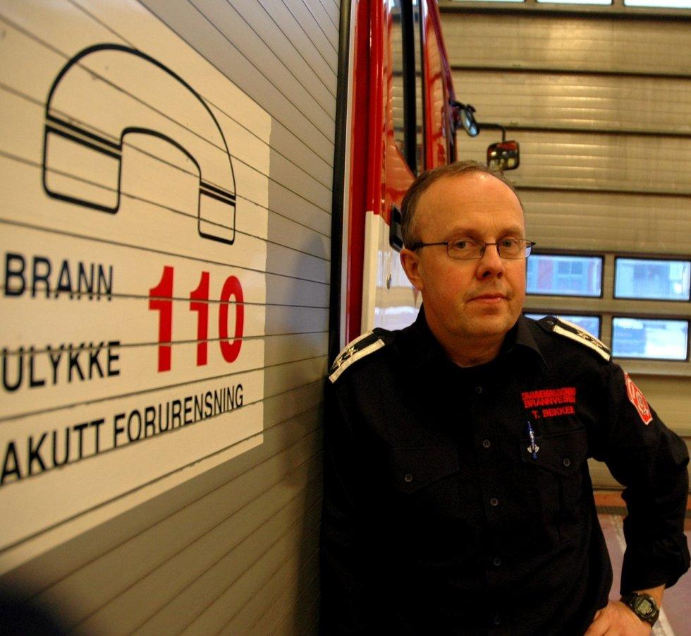 Trond Bekken i Drammensregionens brannvesen forteller at de måtte prioritere knallhardt i natt i forbindelse med flommen.