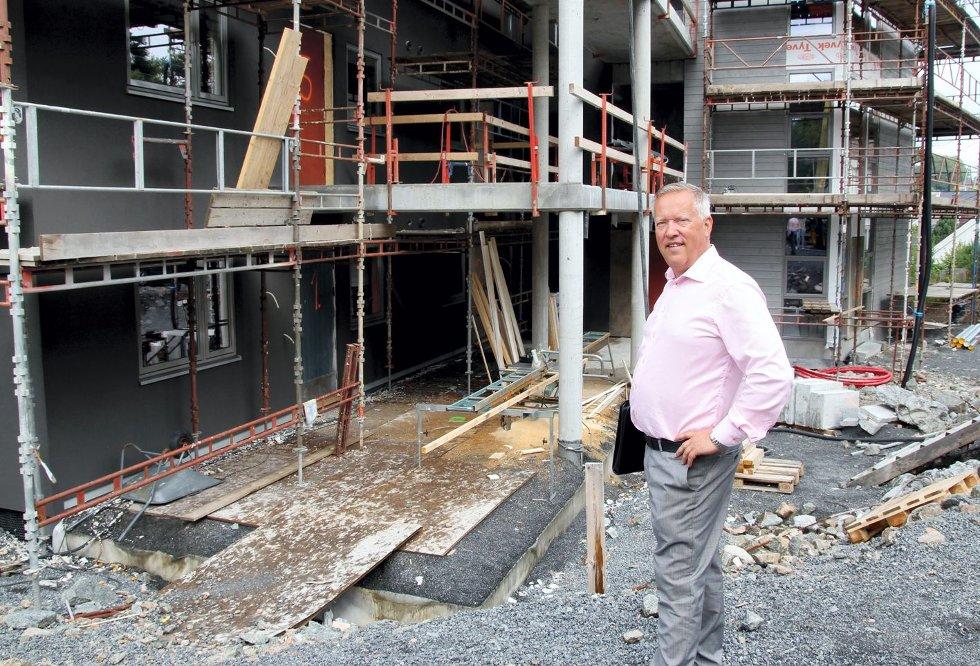 Eiendomsmegler Einar Tangen innrømmer at leilighetene i Prestegårdsveien var et ambisiøst prosjekt, men det har ikke skremt kundene.