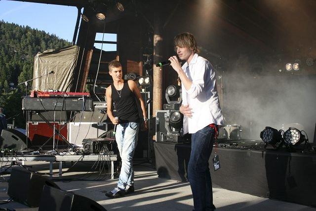 rappet: Røyken guttene Ole Skaug og Peter Wallumrød står bak rapduoen Peter &4 est som skapte stemning på festivalen.