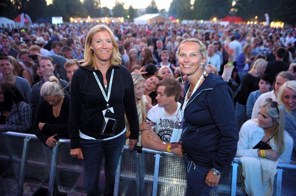 Rikke Horst Jensen (t.v.) og Hanne Børresen beklager hendelsen. – Den type språkbruk er absolutt ikke greit på et arrangement som dette, sier Børresen. Foto: Kurt André Høyessen