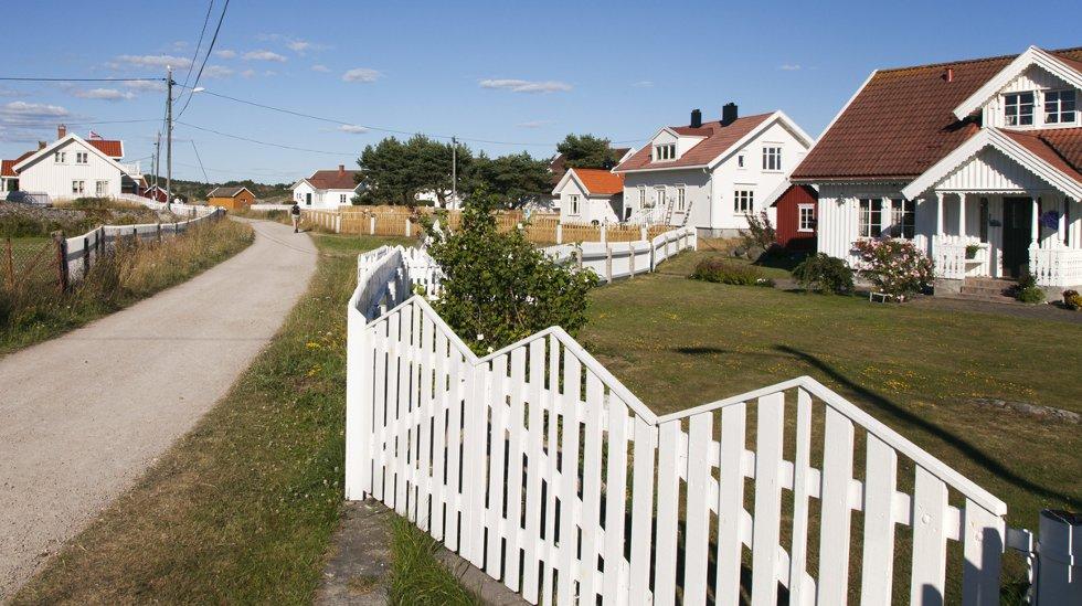 Hytte ved sjøen i Østfold er betydelig rimeligere enn på den andre siden av fjorden.