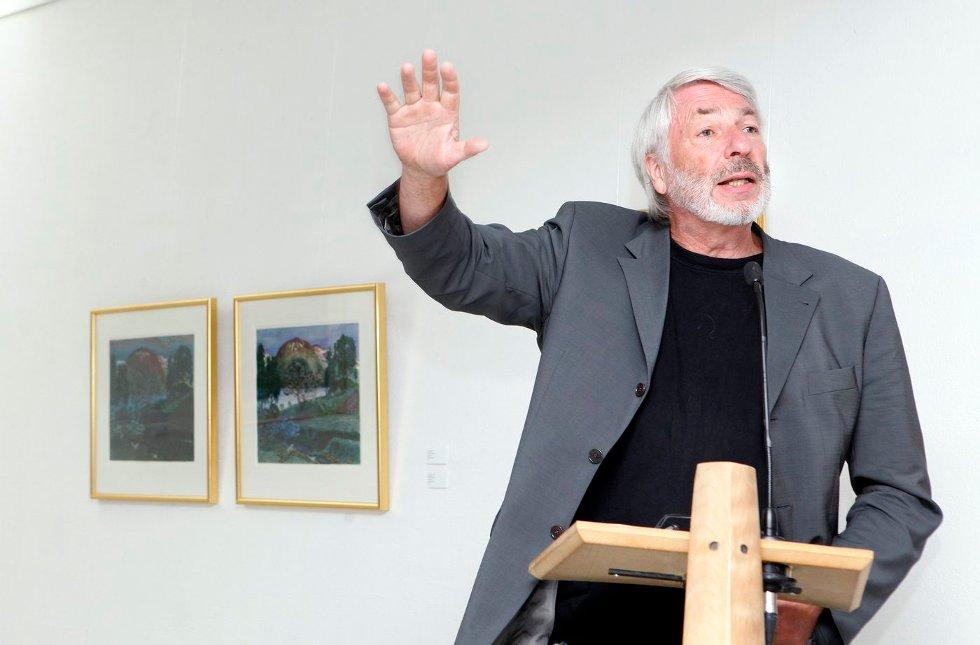 FULLT HUS: Utstilling med tresnitt av Munch og Astrup åpner i Bærum Kusntforening. Holger Kofoed.                 FOTO: KNUT BJERKE                                   (Foto: )
