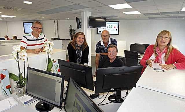 Moss Avis har fått ny layout og det er disse som har utført jobben. Lars-Petter Gustavsen, Tale Døvle Jonassen, Alf Hvidsten, Tor-Kristian Arntsen og Anita Nedberg.