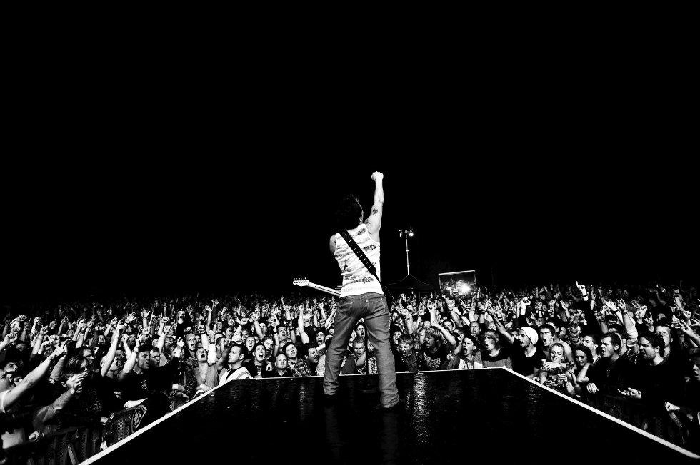 Dette bildet er fra en konsert i fjor sommer, et halvår før Plumboskandalen førte sandesokningene inn i det nasjonale rampelyset.