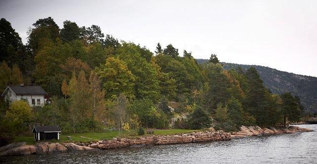 SKAL RESTAURERES: Steinhoggerboligen og granittkaia.