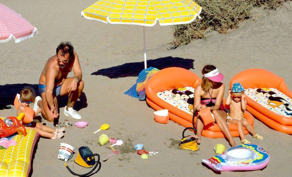 Sol, strand og bading er det viktigste for turistene på Kanariøyene.