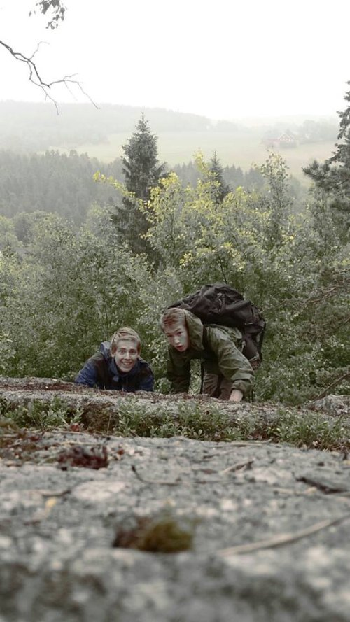 29 DAGER: Vemund Vole Rye (15) og Håkon Paulseth (15) går fra Drøbak til Levanger. Målet er å være fremme på 29 dager. FOTO: PRIVAT.