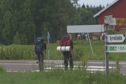 STARTET 21. JUNI: Guttene startet turen 21. juni. Her er de på vei ut fra Drøbak. FOTO: PRIVAT.