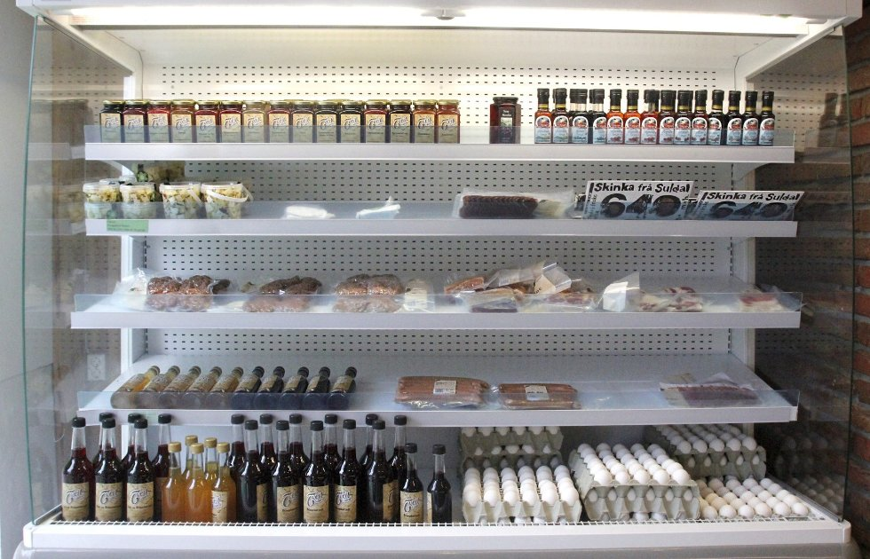 Godt & Blandet: Nye Ganegodt har et variert varetilbud. – I bunn og grunn er det etterspørselen fra kundene som avgjør hva vi tar inn, sier daglig leder Roald Knutli.