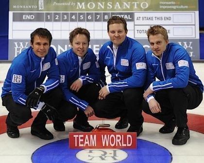 LANDSLAGET: Herrelandslaget i curling; fra venstre Thomas Ulsrud, Torger Nergård, Christoffer Svae og Håvard Vad Petersson.