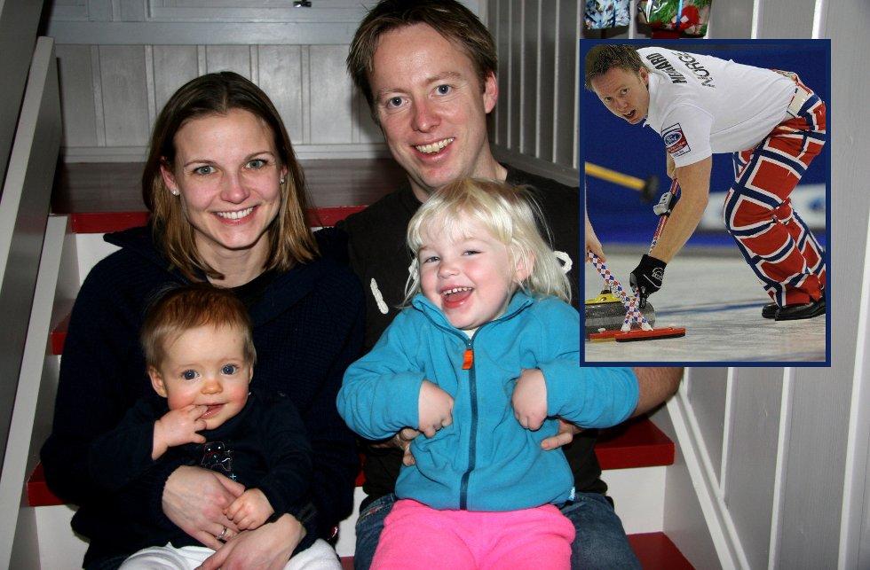 CURLINGFORELDRE: Mamma Marianne Rørvik og pappa Torger Nergård er begge på landslaget i curling, her med Thale (8 mnd) og Karine (3 1/2).