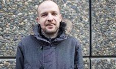 Frank Willy Djuvik jobbar aktivt for å få ei rask avklaring på gruve-saka i Vevring.