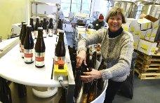 Bilde av Tone Krüger inne på Færders bryggeri