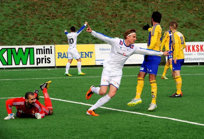 Michelle Hansson scoret 3 mål mot Faaberg (30.04.15)