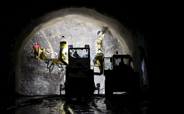 Det blir lys i tunnelen før jul og på nyåret blir E6-trafikken lagt om igjen