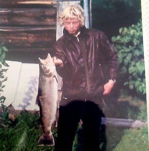 Terje fikk stor ørret i Lågen i 1974, men rekordfisken i Bredebygden er over dobbelt så stor