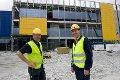 Nye Ikea på Nyborg i Åsane tar form. Varehussjef Odd Rune Bjørge (t.h.) og vedlikeholdssjef Jonny Heggetveit (20.06.2011).