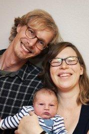 Hanna Lervik og Kristian Myre fra Lillehammer, fikk ei jente, Klara, 8. september. Hun veide 3.924 gram og var 52 cm lang. Foto: Silje Rindal