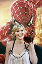 "Kirsten Dunst poserer for fotografene under verdenspremieren på hennes nye film ""Spider-Man 2"" i Los Angeles."