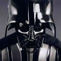 "Darth Vader fra ""Star Wars Episode III: Revenge of the Sith"". Siste filmen i Star Wars-serien forteller hvordan unge Anakin Skywalker går over til den mørke siden og blir Darth Vader. Filmen får verdenspremiere under filmfestivalen i Cannes 15. mai. I Bergen kan du se filmen fra 19. mai."