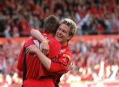 Ragnvald Soma blir gratulert etter å ha scoret sitt første mål for Brann i eliteserien. Brann knuste Lillesrøm 6-2 på Stadion 16. mai 2005.