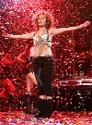Jennifer Lopez opptrer på den kjente amerikanske radiostasjonen Z100 sin 'Zootopia 2005' konsert på Continental Airlines Arena i New Jersey.