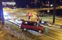 En bil havnet på autovernet i Ranenget lørdag kveld. Foto: MMS-tipser