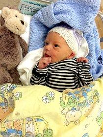 Brage fikk sin første bursdag på Rikshospitalet 11. september.  Sara Rydland Nærum og Lars-Martin Kristensen er svært glade foreldre.