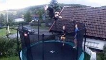 LevelUpFlippers på trampolina på Tomter.