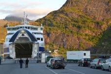 Torghatten Nord AS og deres fergesamband mellom Bodø og Moskenes. Nå skal samferdselsråden ha møter med ferjeselskapene i Nordland i august og september for å forbedre driften.