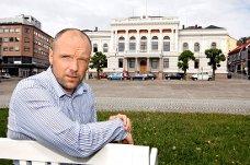 Rådmann Jan Petter Johansen tror ikke det er noen god idé å bygge en ny barnehage i Skien for å bøte på problemet med barn uten rettighet som får plass i Porsgrunn. Mange av barna bor i nær kommunegrensa, og ville nok uansett ha søkt seg til samme barnehager som i dag.