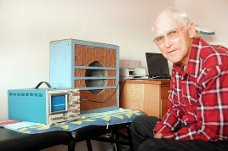 Med dette apparatet måler kiropraktor Torleif Trykkerud infralyd over lange avstand, og han ser hvordan storm og væromslag påvirker folks helsetilstand.