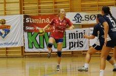 SKUDDVILLIG: Nykommer Caroline R. Helgesen skal erstatte Emilie Hegh Arntzen. Mot Stabæk var hun ikke redd for å prøve og scoret fem mål.