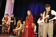 Eidsberg kulturskole: Elever fra kulturskolen framførte to sanger fra musikalen Oliver.