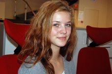 HAR ARBEIDSUKE: Silje Engsmyr er til daglig elev i 10. klasse ved Kruseløkka ungdomsskole, men denne uken har hun arbeidsuke i Sarpsborg Arbeiderblad.
