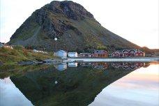 Lovund. Høststemning og høstfarger i Lurøy. Oktober 2012. Foto: Alfred Jakobsen