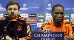 Andre Villas-Boas og Didier Drogba på pressekonferanse mandag.