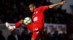 Crawley Towns toppscorer Tyrone Barnett er utlånt til Mesterskapsserie-klubben Peterborough United.