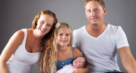 Tirsdag 5. august kom prinsessa vår, Eline, til verden, Hun veide 3890 gram og var 53 cm. Emilie er stolt storesøster. Veronika Tufte og Jon Krogstad Bøe er stolte foreldre.